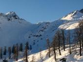 Vista del Col Laris e del vallone della Gran Comba