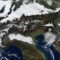 La neve 'nasce' a Genova...