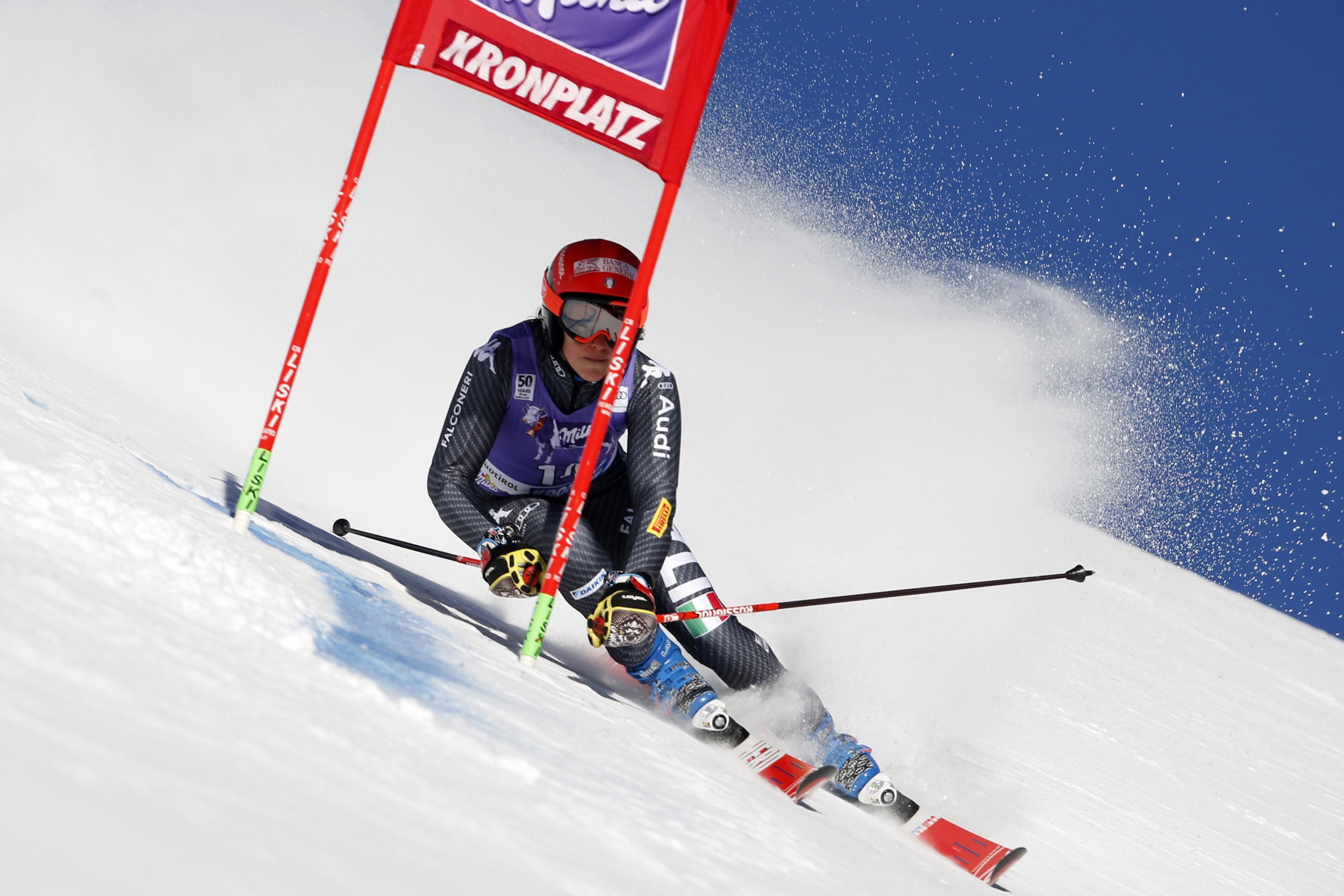 Mondiali sci, prima medaglia per l'Italia: Goggia bronzo nel gigante